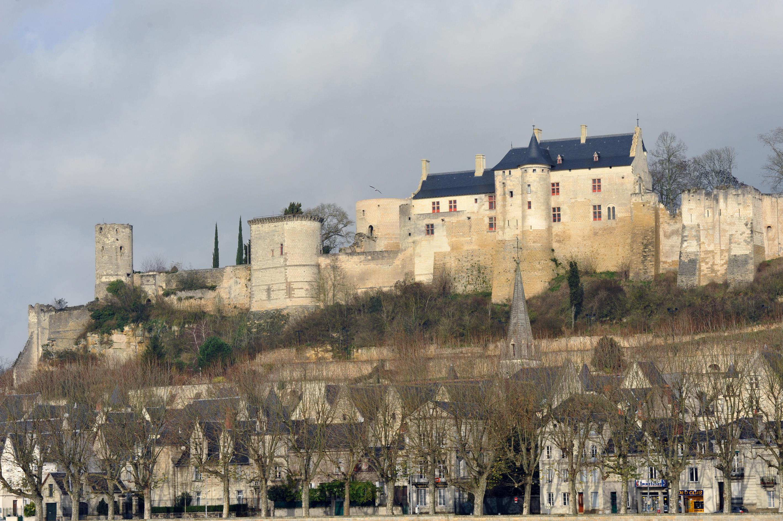 Замок в Шиноне